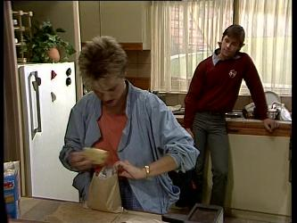 Daphne Clarke, Mike Young in Neighbours Episode 0269