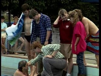 Shane Ramsay, Mike Young, Tom Ramsay, Clive Gibbons, Nikki Dennison, Charlene Mitchell, Scott Robinson in Neighbours Episode 0270