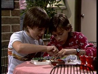 Bradley Townsend, Lucy Robinson in Neighbours Episode 0270