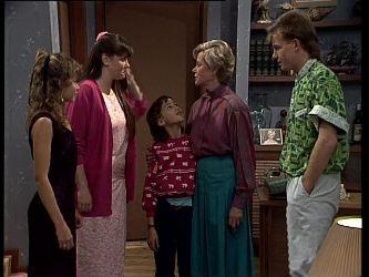 Charlene Mitchell, Nikki Dennison, Lucy Robinson, Helen Daniels, Scott Robinson in Neighbours Episode 0270