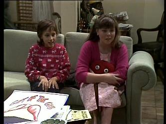 Lucy Robinson, Nikki Dennison in Neighbours Episode 0271