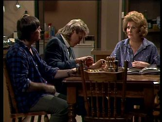 Tom Ramsay, Shane Ramsay, Madge Mitchell in Neighbours Episode 0271
