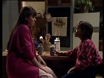 Nikki Dennison, Lucy Robinson in Neighbours Episode 0271