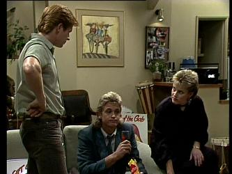 Clive Gibbons, Shane Ramsay, Daphne Lawrence in Neighbours Episode 0271