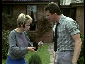 Daphne Lawrence, Des Clarke in Neighbours Episode 0271