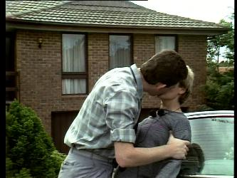 Des Clarke, Daphne Lawrence in Neighbours Episode 0271