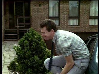 Des Clarke in Neighbours Episode 0271