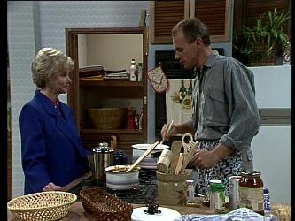 Helen Daniels, Jim Robinson in Neighbours Episode 0272