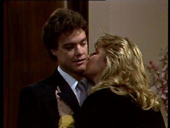Paul Robinson, Debra Fleming in Neighbours Episode 0273
