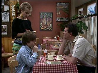 Daphne Lawrence, Bradley Townsend, Des Clarke in Neighbours Episode 0273