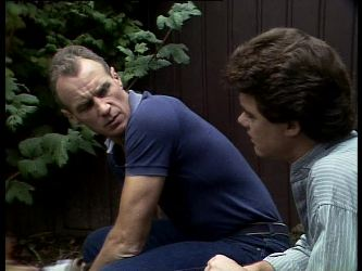 Jim Robinson, Paul Robinson in Neighbours Episode 0274