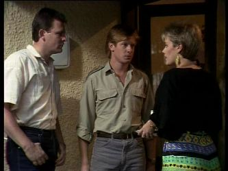 Des Clarke, Clive Gibbons, Daphne Lawrence in Neighbours Episode 0274