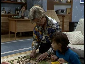 Helen Daniels, Lucy Robinson in Neighbours Episode 0274