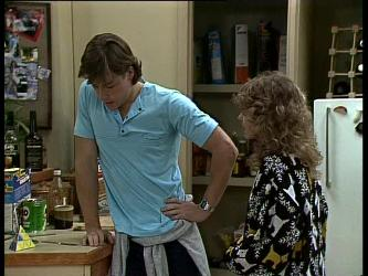 Mike Young, Charlene Mitchell in Neighbours Episode 0275
