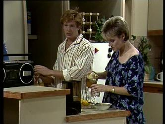 Clive Gibbons, Daphne Clarke in Neighbours Episode 0276