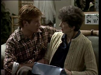 Clive Gibbons, Nell Mangel in Neighbours Episode 0277