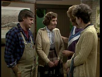 Tom Ramsay, Mrs. York, Madge Bishop, Nell Mangel in Neighbours Episode 0277