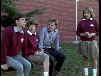 Mike Young, Charlene Mitchell, Scott Robinson, Sue Parker in Neighbours Episode 0277