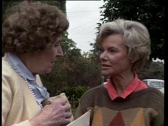 Mrs. York, Helen Daniels in Neighbours Episode 0278