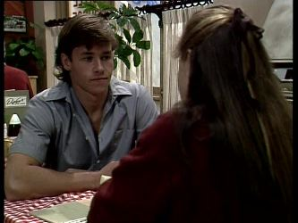 Mike Young, Nikki Dennison in Neighbours Episode 0278