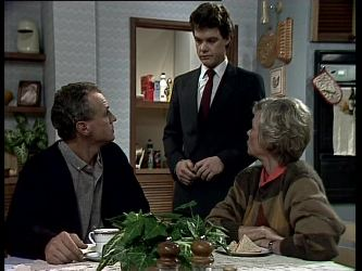 Jim Robinson, Paul Robinson, Helen Daniels in Neighbours Episode 0278