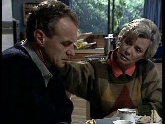Jim Robinson, Helen Daniels in Neighbours Episode 0278