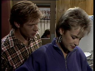 Clive Gibbons, Daphne Lawrence in Neighbours Episode 0278