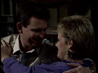 Des Clarke, Daphne Clarke in Neighbours Episode 0279