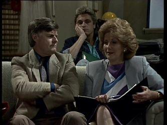 Tom Ramsay, Shane Ramsay, Madge Bishop in Neighbours Episode 0279