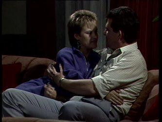 Daphne Clarke, Des Clarke in Neighbours Episode 0279