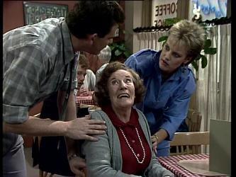 Des Clarke, Mrs. York, Daphne Lawrence in Neighbours Episode 0280