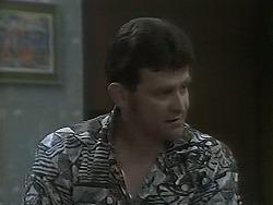 Des Clarke in Neighbours Episode 1115