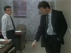 Paul Robinson, Des Clarke in Neighbours Episode 1116