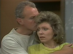 Jim Robinson, Beverly Marshall in Neighbours Episode 1117