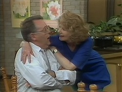 Harold Bishop, Madge Bishop in Neighbours Episode 1118