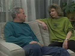 Jim Robinson, Beverly Marshall in Neighbours Episode 1118