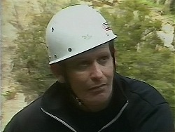 Des Clarke in Neighbours Episode 1118
