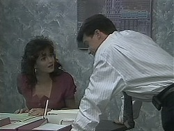 Caroline Alessi, Paul Robinson in Neighbours Episode 1122