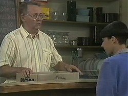 Harold Bishop, Hilary Robinson in Neighbours Episode 1122