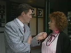 Damien Griffin, Gloria Lewis in Neighbours Episode 1122