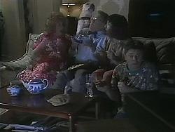 Madge Bishop, Bouncer, Harold Bishop, Kerry Bishop, Joe Mangel in Neighbours Episode 1122