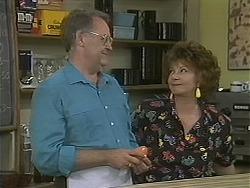 Harold Bishop, Gloria Lewis in Neighbours Episode 1123