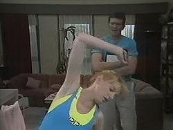 Melanie Pearson, Des Clarke in Neighbours Episode 1124