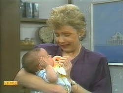 Baby Rhys, Beverly Marshall in Neighbours Episode 1125