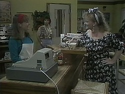 Lee Maloney, Gloria Lewis, Sharon Davies in Neighbours Episode 1126