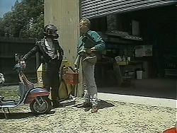 Matt Robinson, Jim Robinson in Neighbours Episode 1127