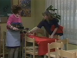 Gloria Lewis, Lee Maloney in Neighbours Episode 1127
