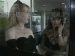 Melanie Pearson, Caroline Alessi in Neighbours Episode 1130