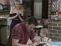 Melanie Pearson, Des Clarke, Jamie Clarke in Neighbours Episode 1131