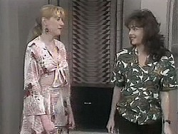 Melanie Pearson, Caroline Alessi in Neighbours Episode 1131